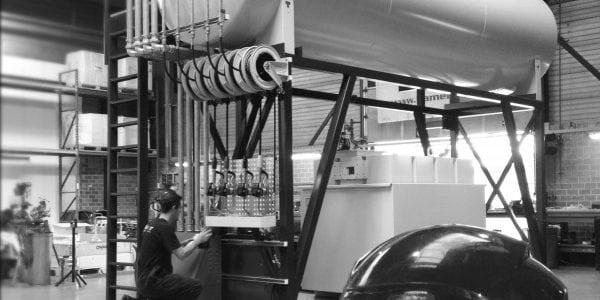 Compleet geprefabte tank voor de vloeistofopslag-, en afgifteinstallatie.