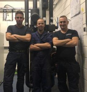 'Er hangt een goede sfeer en mijn collega's zijn gezellig'. V.l.n.r. Rick Flierhuis, Gerrit van Schaar (WTB) en Erik Mulder (Elektra).