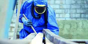 deskundig asbest verwijderaar